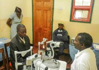 10-eye-camp-kwalukonge-hilfsprojekt-tansania-afrika-life-earth-03