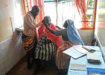 10-eye-camp-kwalukonge-hilfsprojekt-tansania-afrika-life-earth-04